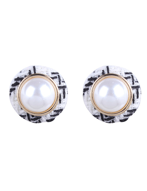Fashion White Pearls Decorated Round Shape Earrings