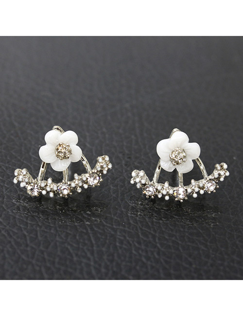 Fashion Silver Color Daisies Shape Decorated Earrings