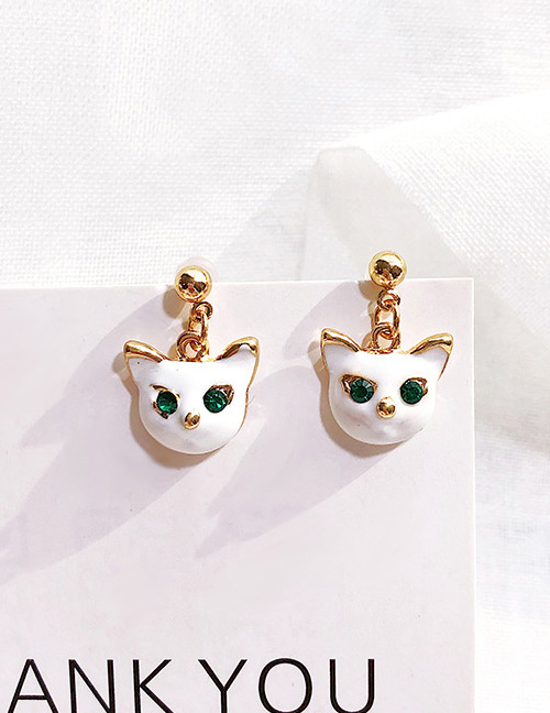 Fashion White Cat Shape Decorated Earrings