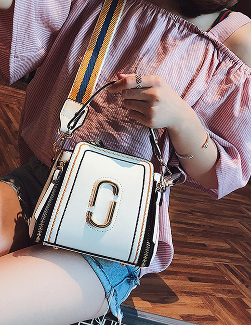 Fashion White Zipper Decorated Shoulder Bag