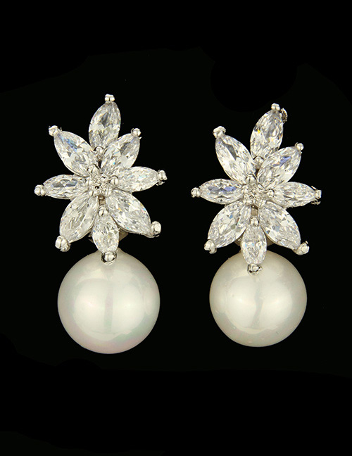 Fashion Silver Color Pearl&diamond Decorated Earrings
