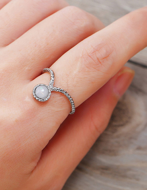 Vintage Silver Color Round Shape Decorated Ring