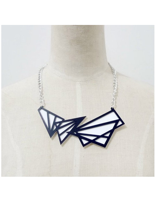 Fashion Black+white Hollow Out Design Necklace