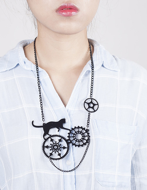 Fashion White+black Cat Shape Decorated Necklace