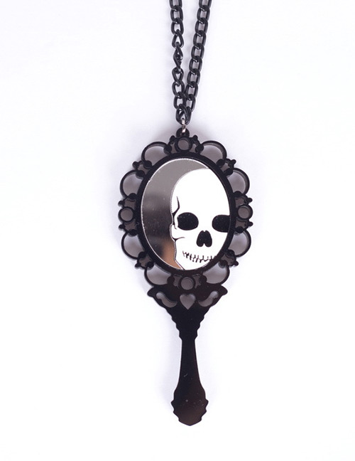 Fashion Black Skull Pattern Decorated Necklace