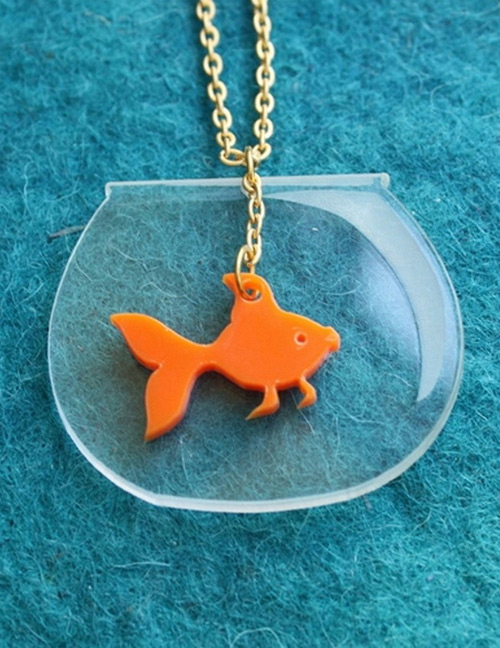 Fashion Gold Color Fish Shape Decorated Necklace