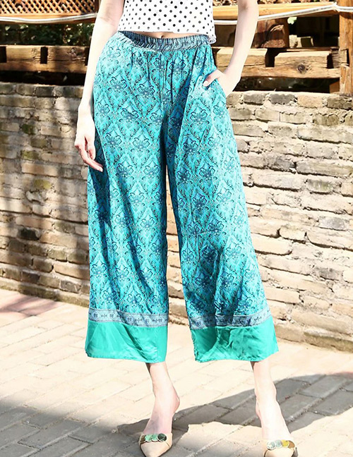 Trendy Pale Blue Flowers Pattern Decorated Loose Pants