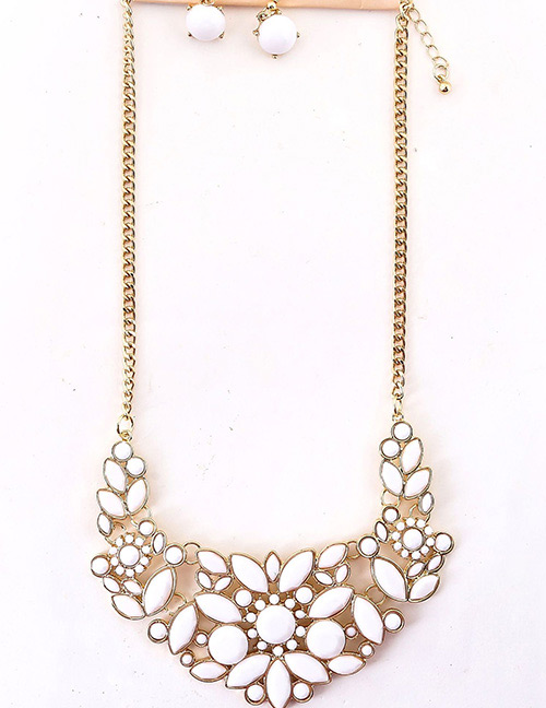 Fashion White Flowers Decorated Simple Jewelry Sets
