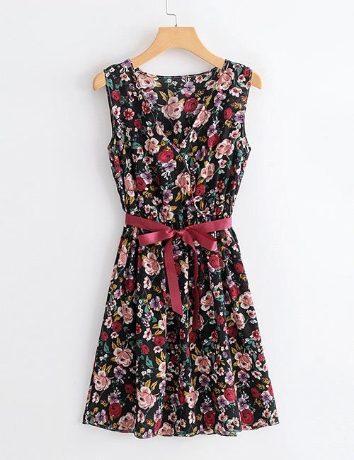 Elegant Black Flowers Pattern Design V Neckline Dress