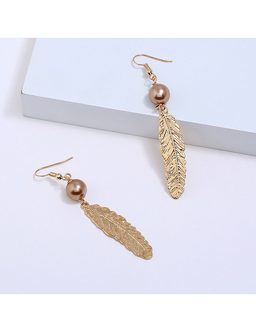 Fahion Gold Color Fether Shape Decorated Earrings