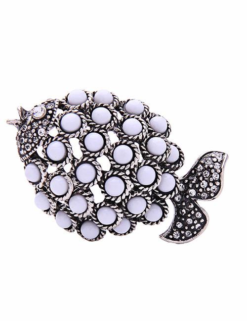 Fashion White Fish Shape Decorated Brooch