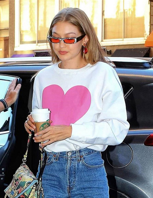 Fashion White Heart Pattern Decorated Sweatshirt