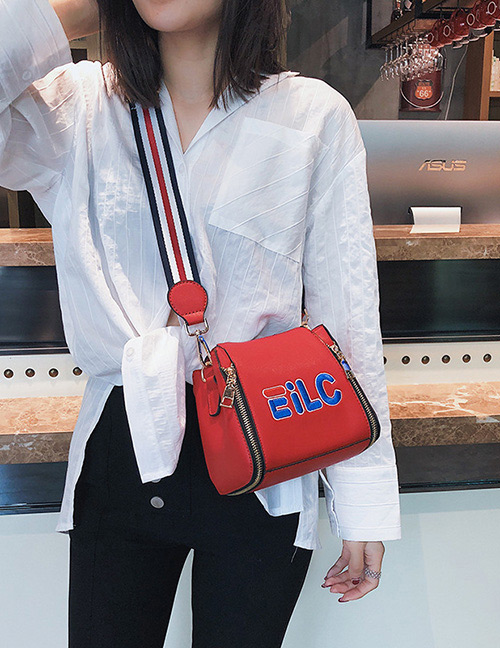 Fashion Red Letter Pattern Decorated Shoulder Bag