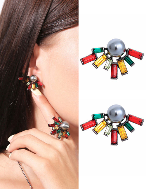 Fashion Multi-color Pearl&diamond Decorated Earrings
