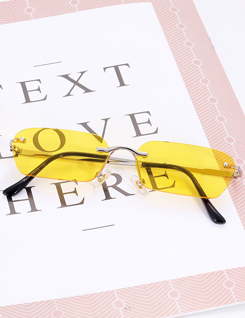 Fashion Yellow Pure Color Decorated Sunglasses