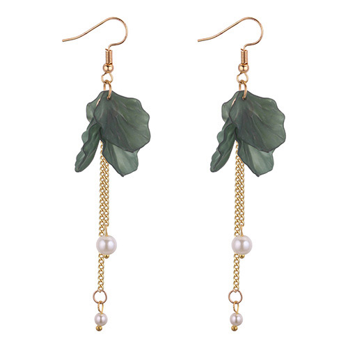 Elegant Green Tassel Decorated Earrings
