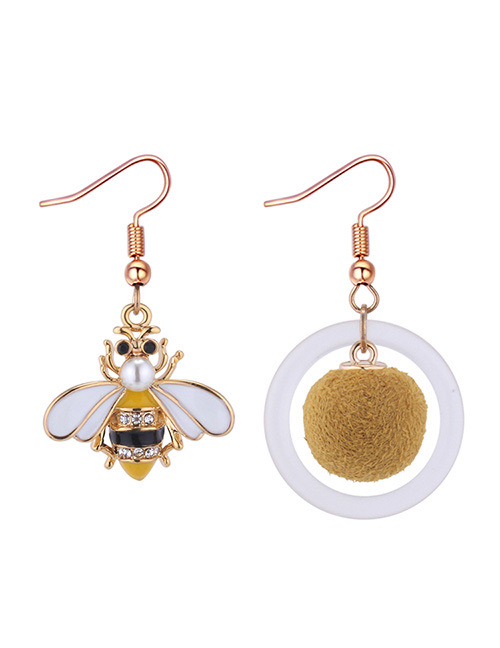Fashion Gold Color+white Irregular Shape Design Earrings