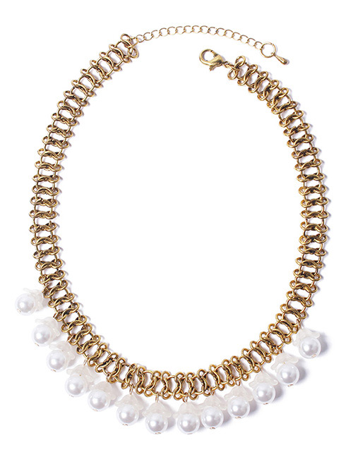 Fashion White Pearl Decorated Necklace