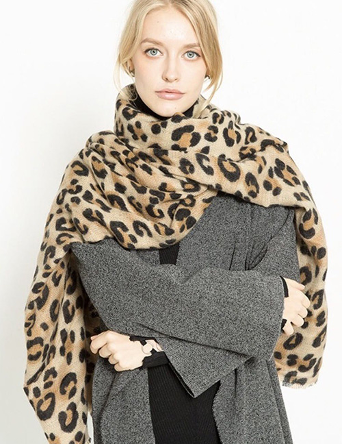 Fashion Light Brown Leopard Pattern Decorated Scarf