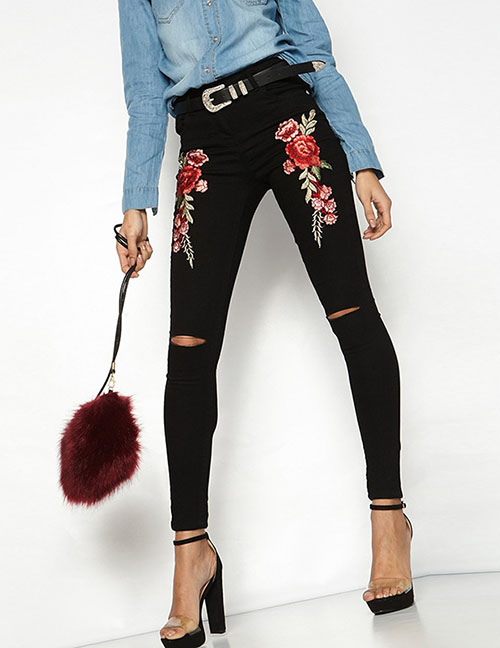 Fashion Black Shredded Embroidery Jeans