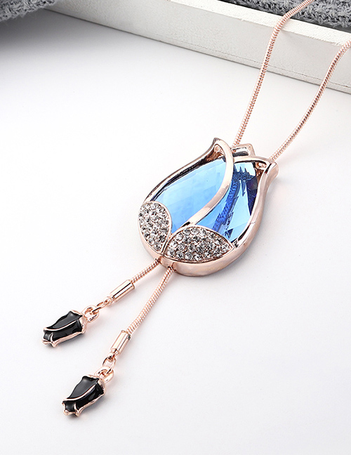 Fashion Rose Gold Flower And Diamond Sweater Chain  Iron