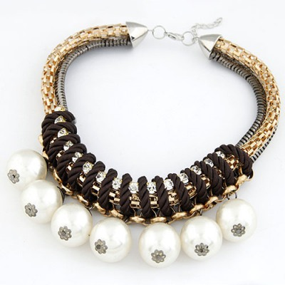 Boutique White Pearl Pendant Design Alloy Bib Necklaces