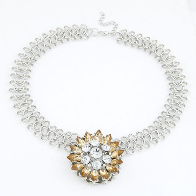 Tungsten Champagne Elegant Flower Pendant Design Alloy Bib Necklaces