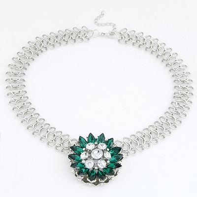 Rolling Dark Green Elegant Flower Pendant Design Alloy Bib Necklaces