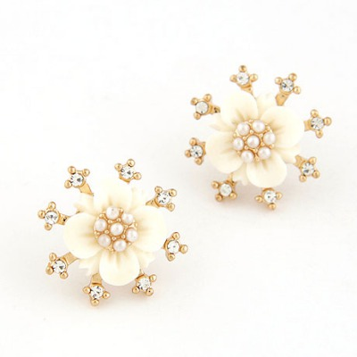 Lilac White Sparkly Diamond Flower Design Alloy Stud Earrings