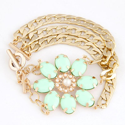 Down Light Green Lucky Flower Decorated Multilayer Metal Chain Design Alloy Korean Fashion Bracelet