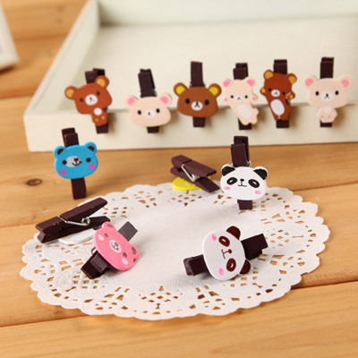 Short Color Will Be Random Cartoon Bear Decorated Design Wooden Wooden Clip