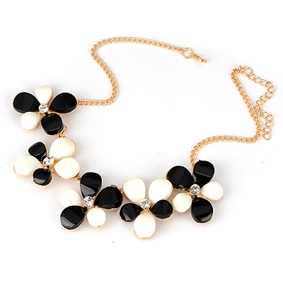 Christmas Black And White Five Leave Flower Alloy Bib Necklaces