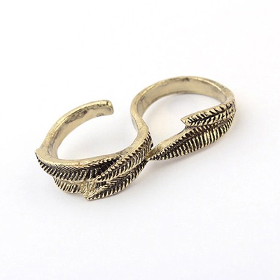 Contempora Bronze Vintage Leaf Design Alloy Korean Rings