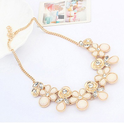 Childrens White Geometric Shape Pendant Design Alloy Bib Necklaces