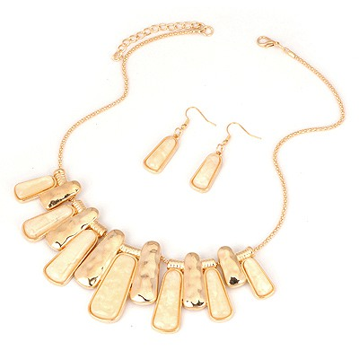 Mustard Beige Two Colors Rectangle Pendant Design Alloy Jewelry Sets