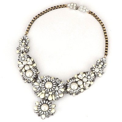 Tory White Flower Gemstone Decorated Design Alloy Bib Necklaces
