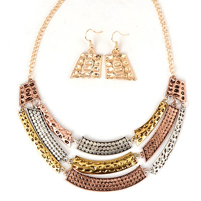 Ultra Mixed Color Three Layers Crescent Shape Pendant Design Alloy Jewelry Sets