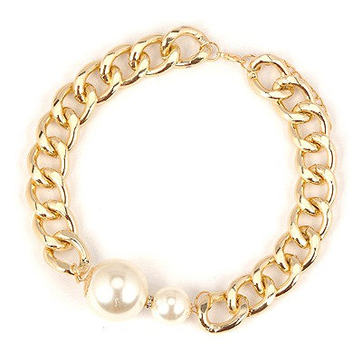 Oversized White Pearl Decorated Chain Design