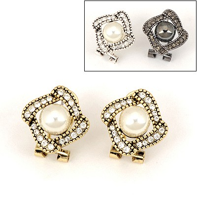 Folding Color Will Be Random Hollow Out Pearl Design Alloy Stud Earrings
