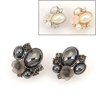 Preppy Color Will Be Random Flower Pearl Design Alloy Stud Earrings