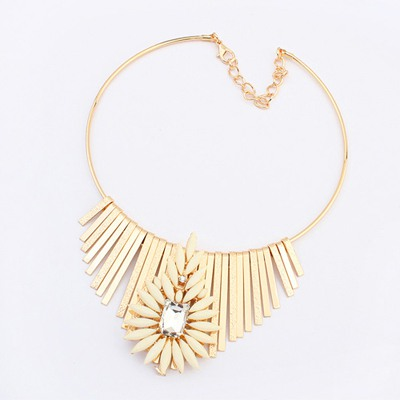 Hiphop Beige Metal Tassel Flower Decorated Design Alloy Bib Necklaces