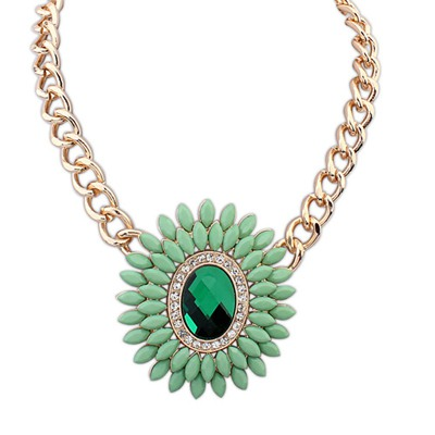 Direct Green Oval Shape Decorated With Gemstone Pendant Design Alloy