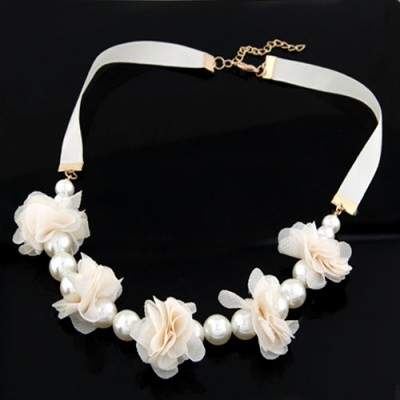 Choker White Sweet Flower Pearl Decorated Pearl Bib Necklaces