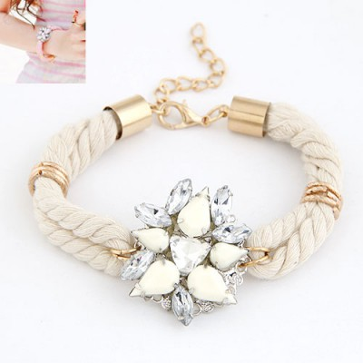 Custom White Gemstone Decorated Flower Design Alloy Korean Fashion Bracelet