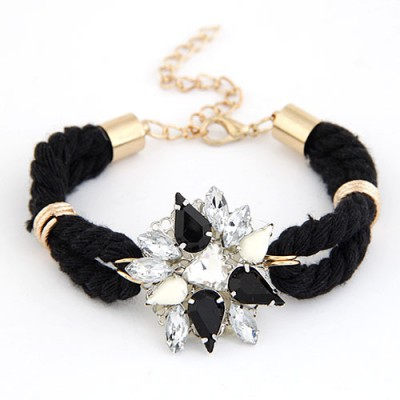 Adjustable Black Gemstone Decorated Flower Design Alloy Korean Fashion Bracelet