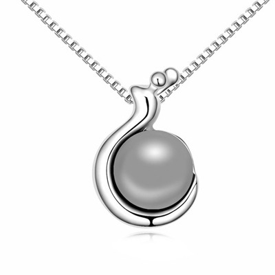 Ladies Dark Gray Snail Shape Pendant Design Pearl Crystal Necklaces