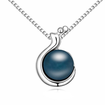 Awesome Dark Blue Snail Shape Pendant Design Pearl Crystal Necklaces
