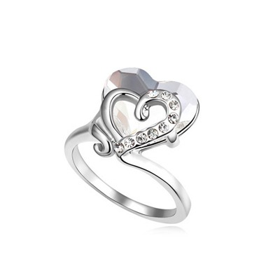 Energie White Heart Link Heart Design Austrian Crystal Crystal Rings