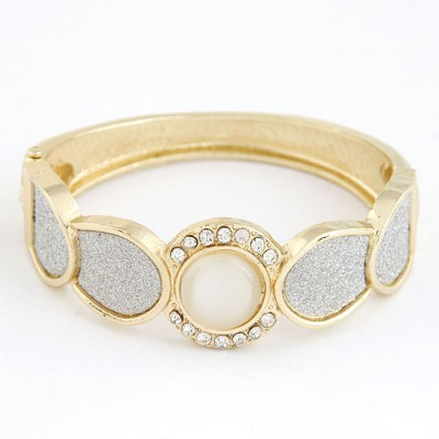 Christmas Gold Color Round Shape Gemstone Decorated Alloy Fashion Bangles