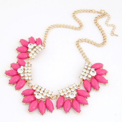 Expensive Plum Red Metal Inlaid Diamond Flower Design Alloy Bib Necklaces